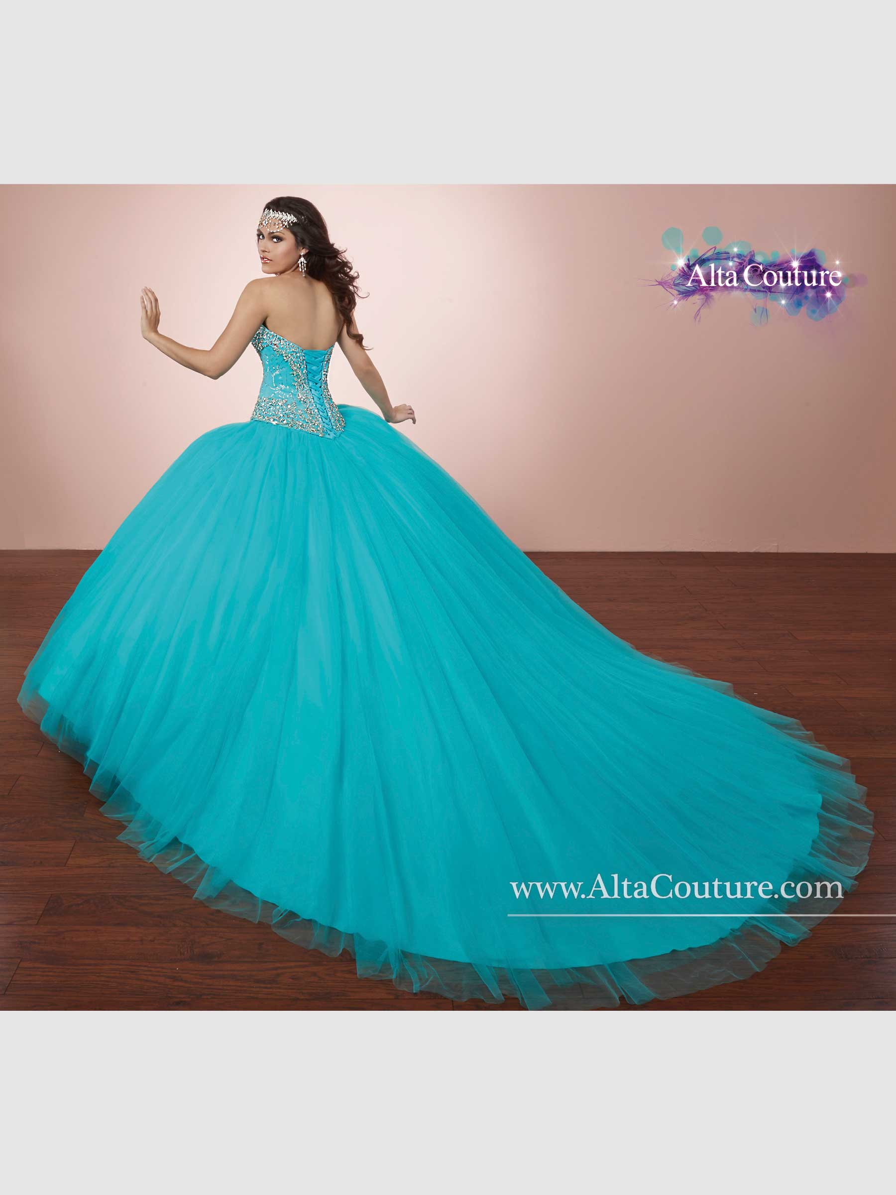 Style f16 4t170 scelebrations for Alta couture